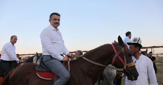 BAKAN PAKDEMİRLİ'DEN AHLAT'A ZİYARET