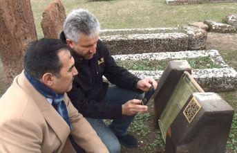 Ahlat'taki Tarihi Yapılar Karekod İle Tanıtılıyor