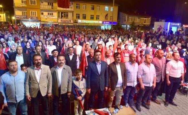 AHLAT'TA 15 TEMMUZ DEMOKRASİ VE MİLLİ BİRLİK GÜNÜ KUTLANDI