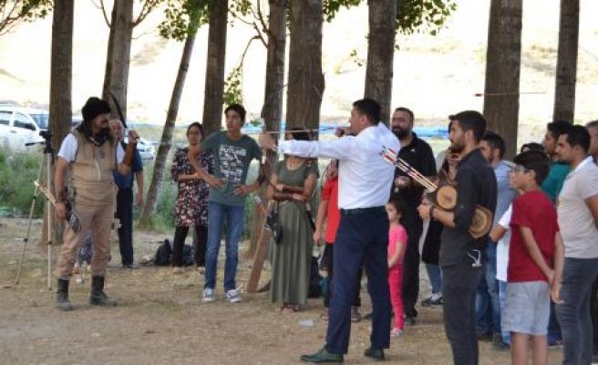 AHLAT'TA 'OKÇULUK DERNEĞİ' KURULDU