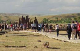 'Sakin Şehir' Ahlat'ı Ayda 20 Bin Kişi Ziyaret...