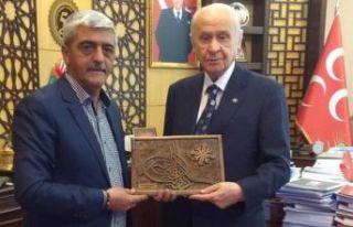 Ahşap Ustasından Devlet Bahçeli'ye Özel Tuğralı...