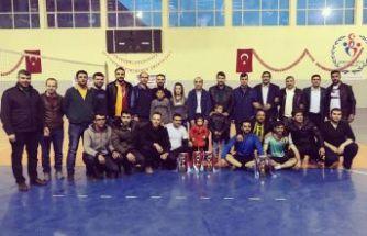 Ahlat'ta 'Kurumlar Arası Voleybol Turnuvası' Sona Erdi