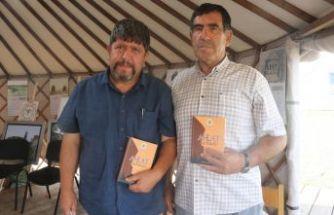 Eğitimci Güven Ayber'in 'Ahlat Ağzı Sözlüğü' Adlı Kitabı Çıktı
