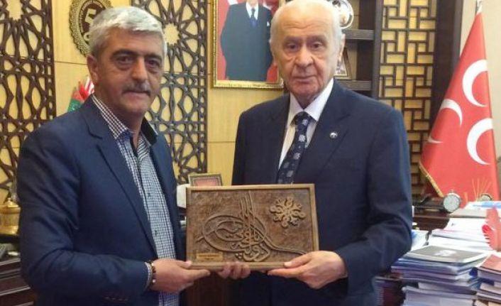 Ahşap Ustasından Devlet Bahçeli'ye Özel Tuğralı Tablo